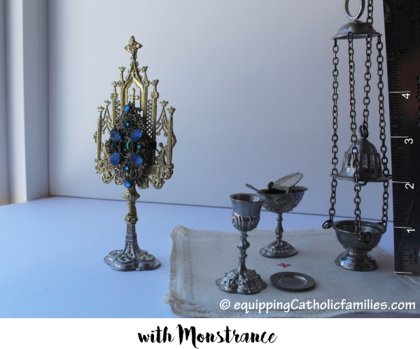 Vintage Play Mass Set with Monstrance